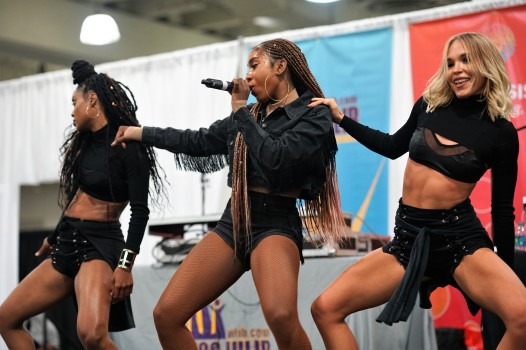 SEVYN STREETER AND DANCERS